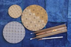 Carving linoleum plates to hand print on indigo dyed washi